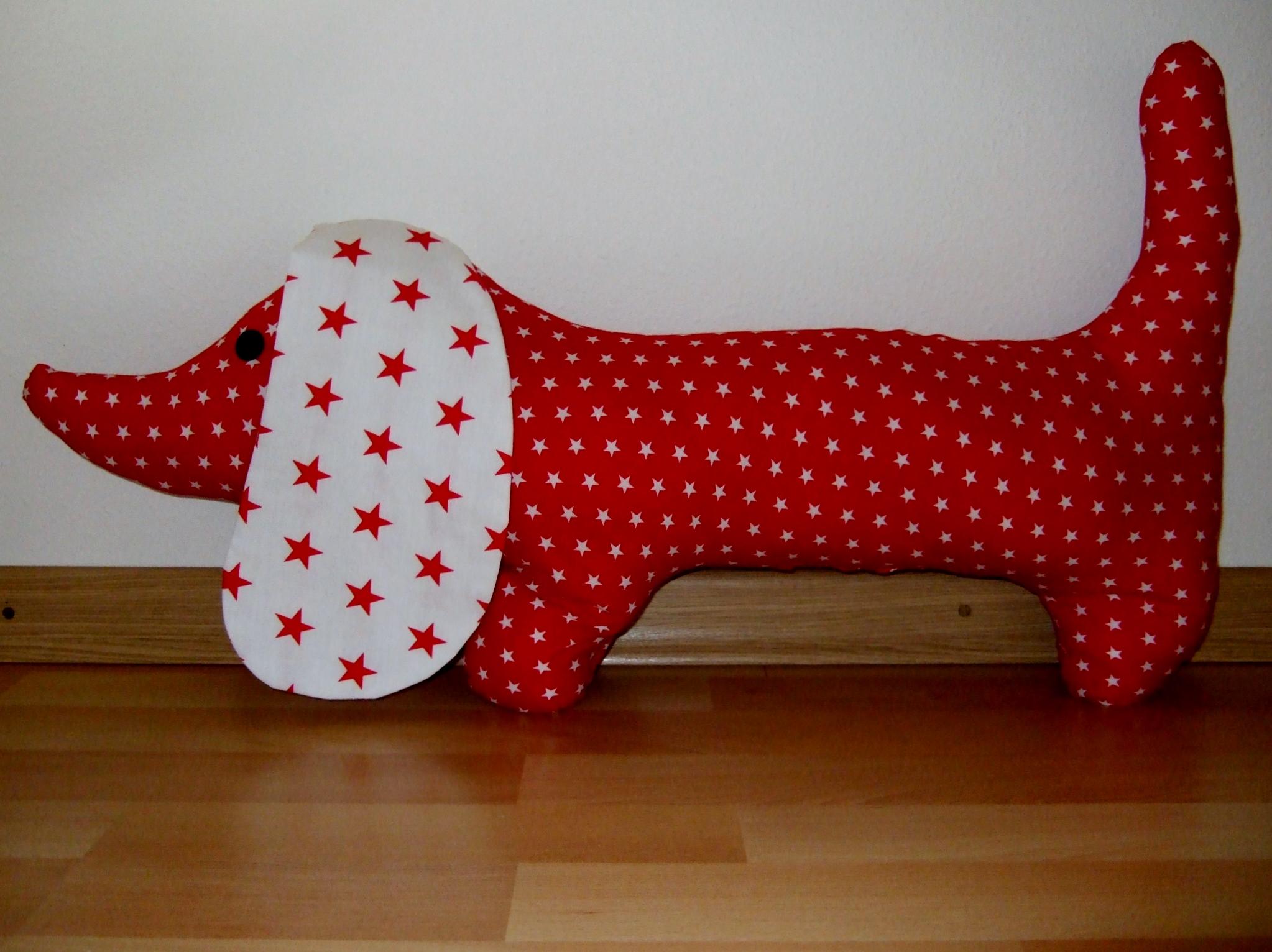 Unieke knuffelhond rood met witte sterren groot – Blije Kids