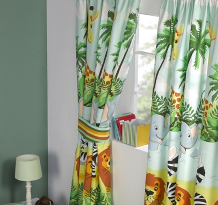 http://blijekids.nl/wp-content/uploads/2018/06/Gordijnen-jungle-oerwoud-apen-aap-olifanten-giraf-zebra-meisjes-schattig-raambedekking-verduistering-slapen-slaapkamer-mooi-uniek-goedkoop-kwaliteit-blijekids-jongens-stoer.jpg