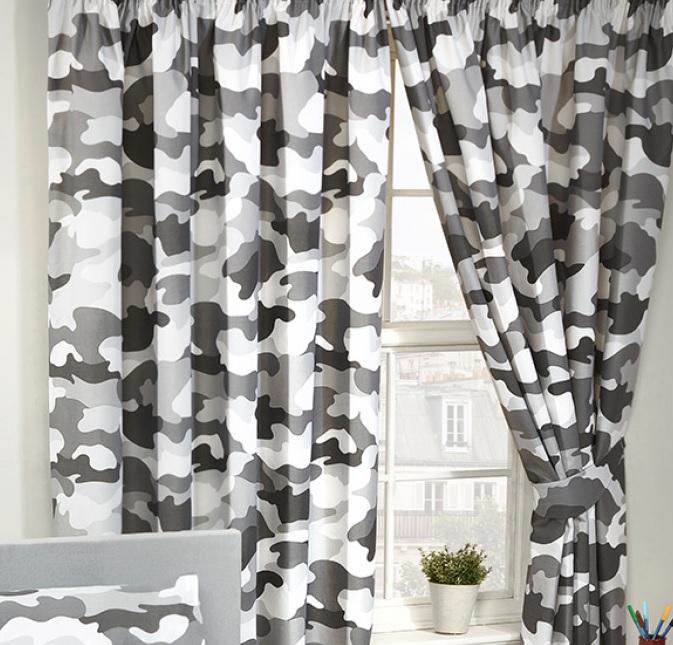 Gordijnen leger / camouflage grijs 168 cm breed en 183 cm lang ...