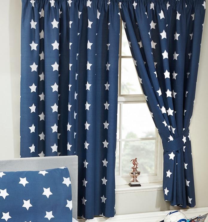 gordijnen blauw met witte sterrensterretjes